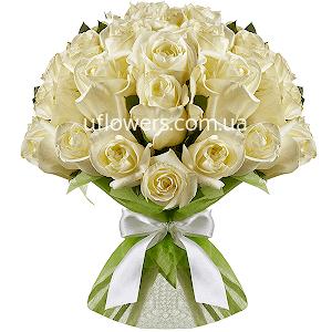 Белые розы 35 шт.
