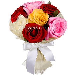 Разноцветные розы 7 шт.