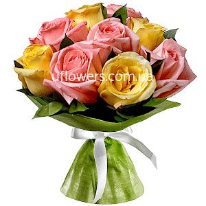 Розовые и желтые розы 9 шт.